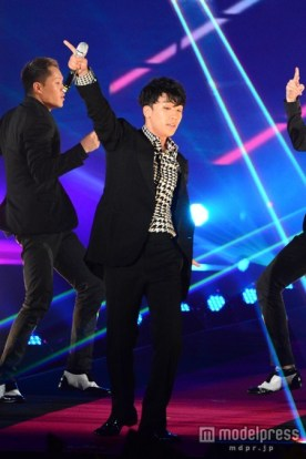 girls_award_seungri_m_002