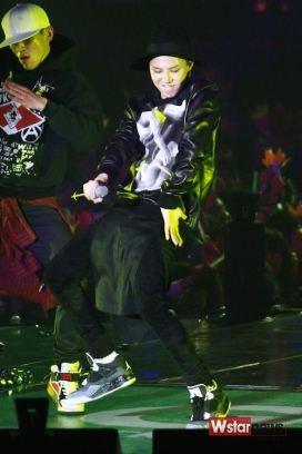 stay_G_concert_g-dragon_023